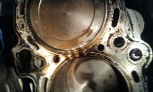 cylinderhead-gasket-blown-between-cylinders